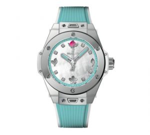 The attractive Hublot Big Bang One Click Chen Man 465.SE.6070.RW.CHM17 watches have blue rubber straps.