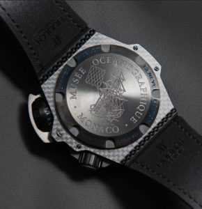 The water resistant copy Hublot King Power 731.QX.1190.GR.ABB12 watches have backs with patterns of sailboat and can guarantee water resistance to 4,000 meters.