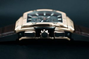 The prominent fake Hublot watches are made from king gold.