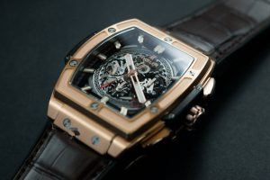 The well-designed fake Hublot watches have skeleton dials.
