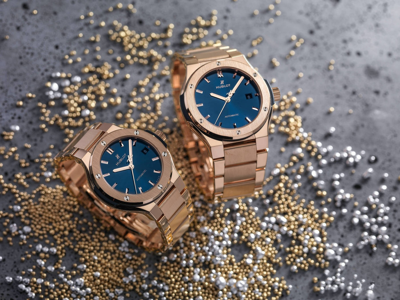 The luxury copy watches are made from rose gold.