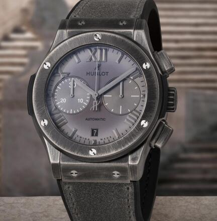 The dial of best fake Hublot presents gradient visual effect.